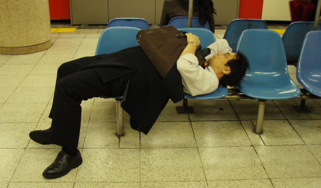 上班族締造了日本經濟奇蹟,泡沫爆破之後,就此卻步不前。 圖片來源:flickr