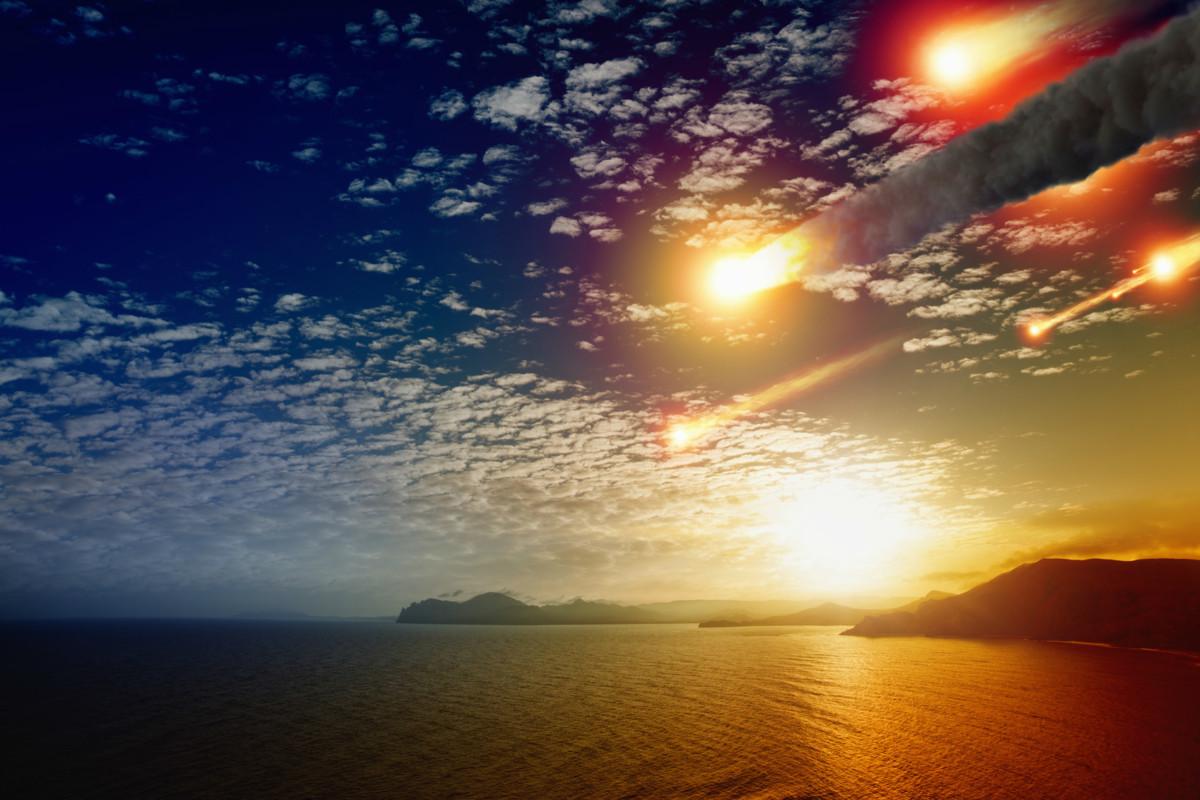 看得到隕落的地方,不是被火球吞噬即時死亡,就是三級燒傷。