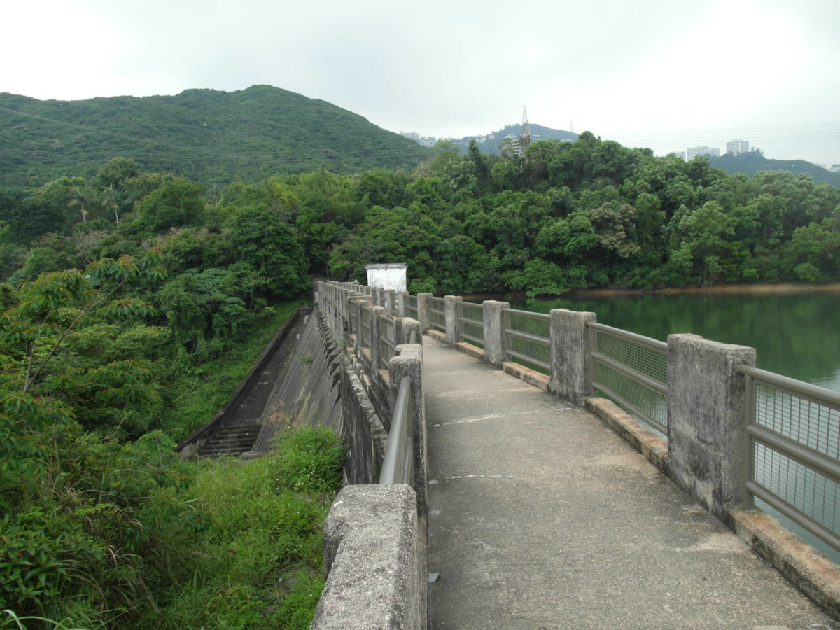 香港仔下水塘,昔日為大成紙廠私家水塘。