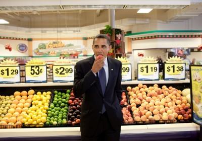 奧巴馬積極推廣健康飲食,繼任的杜林普卻最愛快餐。過去的 8 年功夫,可能一朝告終。圖片來源:白宮