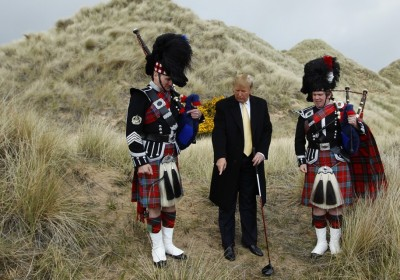 杜林普在蘇格蘭高爾夫球場矗起圍牆,然後將賬單寄給鄰居。 圖片來源:路透社