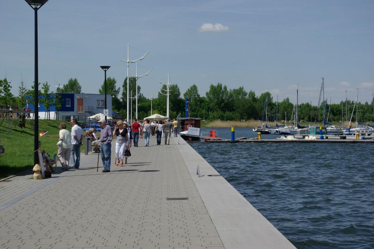 Bitterfeld-Wolfen 湖邊碼頭 圖片來源:mapio.net