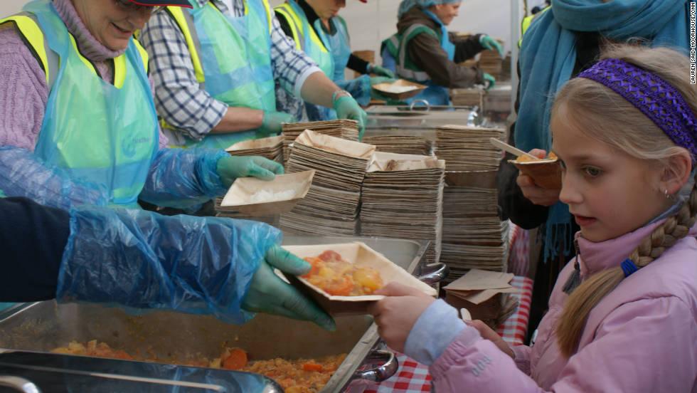 2011年於倫敦特拉法加廣場舉辦 「Feeding the 5000」 圖片來源:CNN