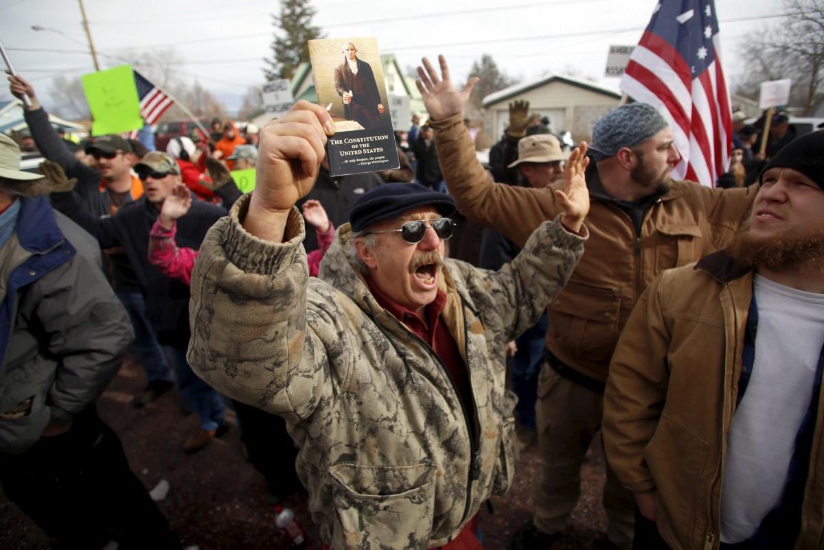 支持民兵佔領示威遊行。 圖片來源:路透社