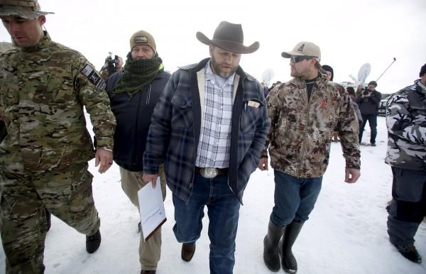 民兵首領 Ammon Bundy 在所佔領區會見記者。 圖片來源:路透社
