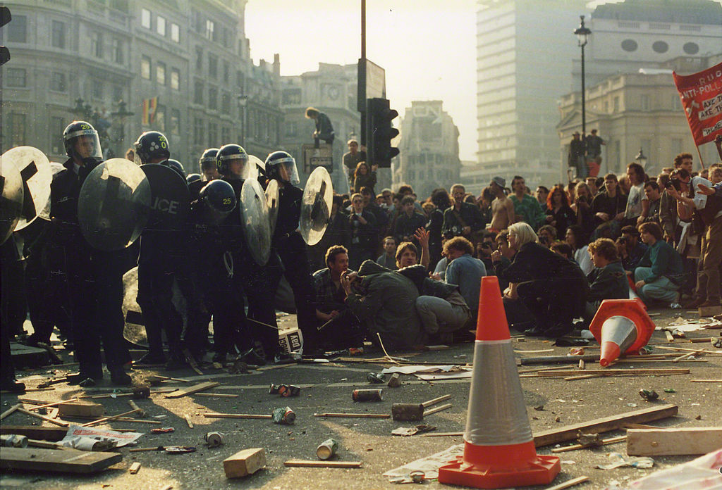Poll_Tax_Riot_31st_Mar_1990_Trafalger_Square_-_Police_Pinned_down