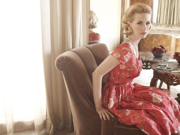 Betty 是 Don 的髮妻,精緻的花瓶,內心冰冷的芭比娃娃,可我就是最迷戀她。