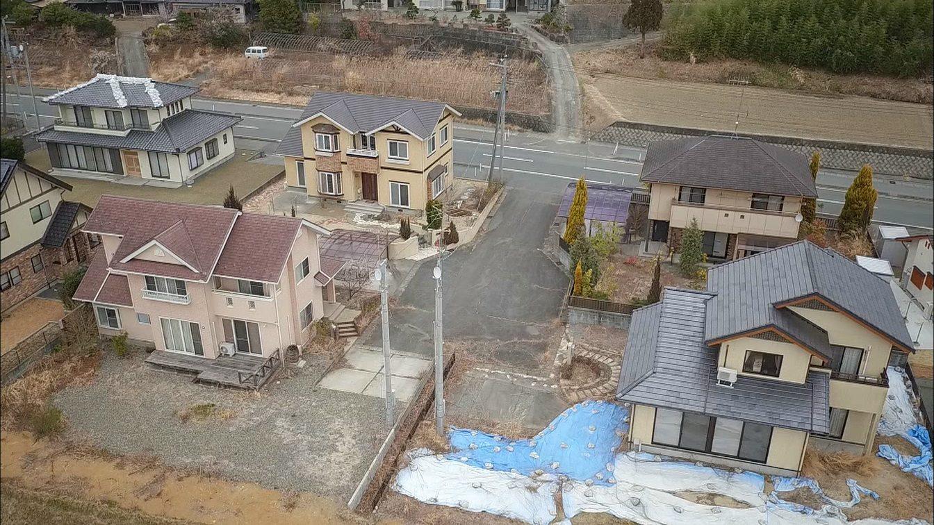 福島縣雙葉郡楢葉町解除避難指示後,仍然人跡罕至。 圖片來源:日本電視台(NTV)