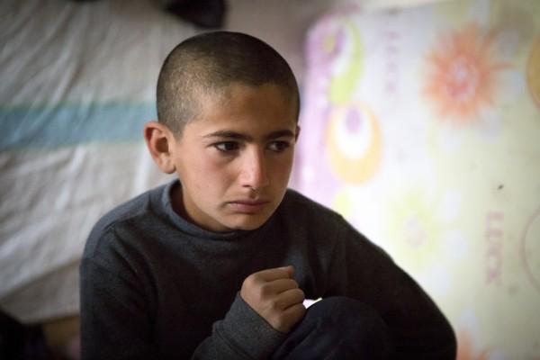 加馬倫目睹父母突然被帶走後,便跟隨祖母逃到黎巴嫩,自此與雙親失去聯絡。雖然已經過了兩年,但他說:「那些事情就像昨天發生一樣,因為那是我親眼看見的!」