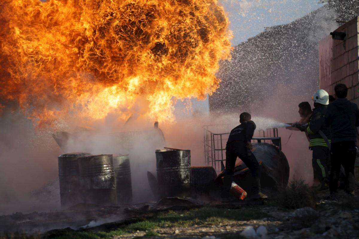 據統計,每日有 80 萬桶原油人間蒸發。 圖片來源:路透社