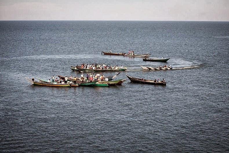 據悉,漁民一日收入高達 300 美元,即東非內陸居民的 3 - 4 個月平均人工。 圖片來源:Jesco Denzel