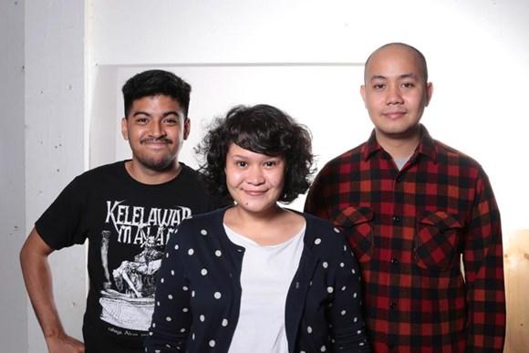 「藝術日報」更重點推介年輕的印尼藝術家組合:Tromarama(特羅拉馬),及來自上海的多媒體裝置藝術家張鼎。