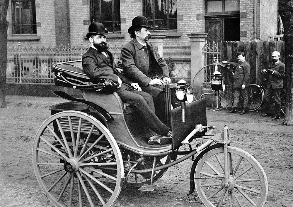 世上首架賓士,面世於 1886 年。
