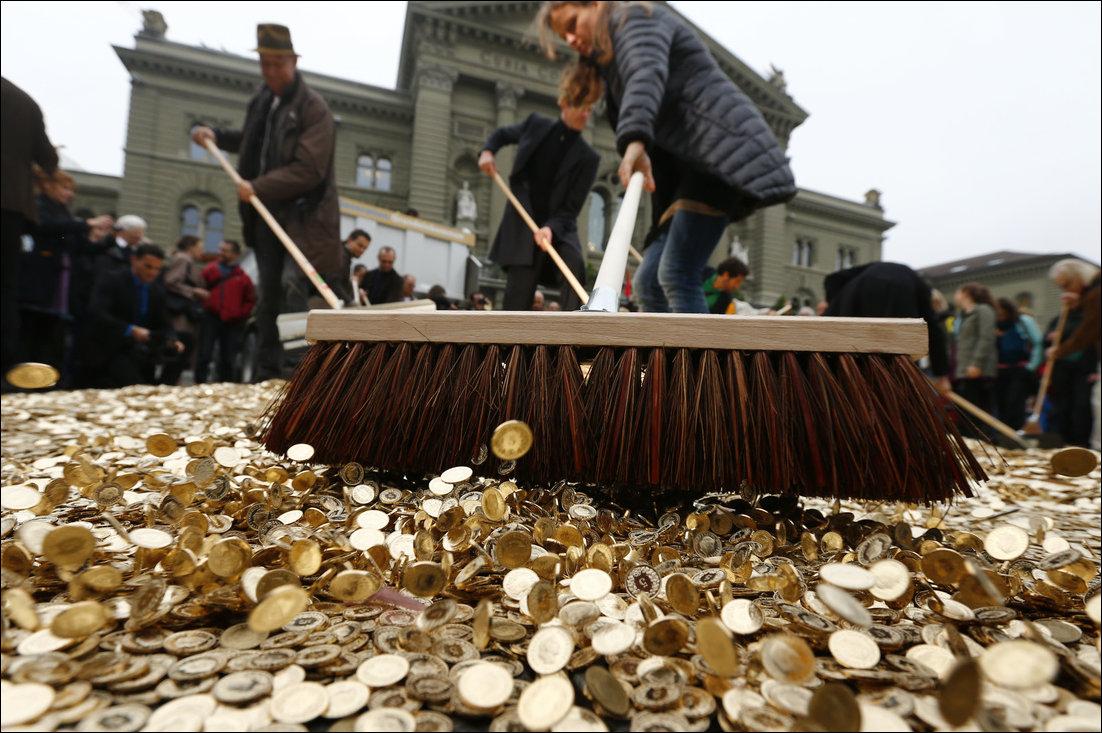 都市傳說:無條件派錢會摧毀經濟? 圖片來源:路透社