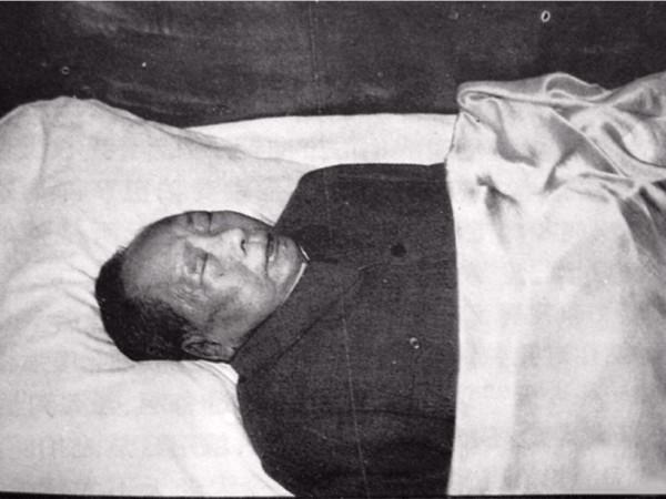 列寧、史達林、胡志明、金日成、毛澤東的遺體均有保養。毛澤東生前懼怕被鞭屍,偏偏留下屍首。