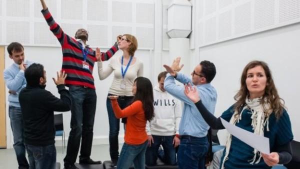 窩域大學經濟學院開設莎士比亞專題工管課程。 圖片來源:BBC