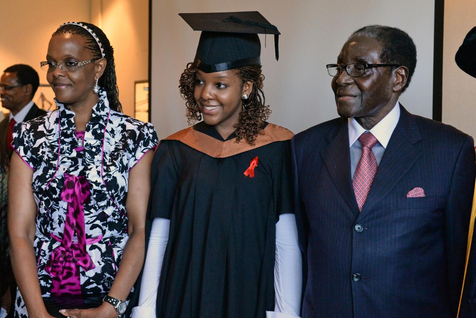 津巴布韋總統穆加貝夫婦和女兒 Bona。圖片來源:路透社
