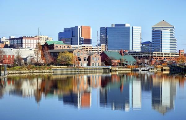 光是特拉華州威爾明頓市中心一間公司,在短短數年內,就被用作商業登記地址超過 25 萬次。