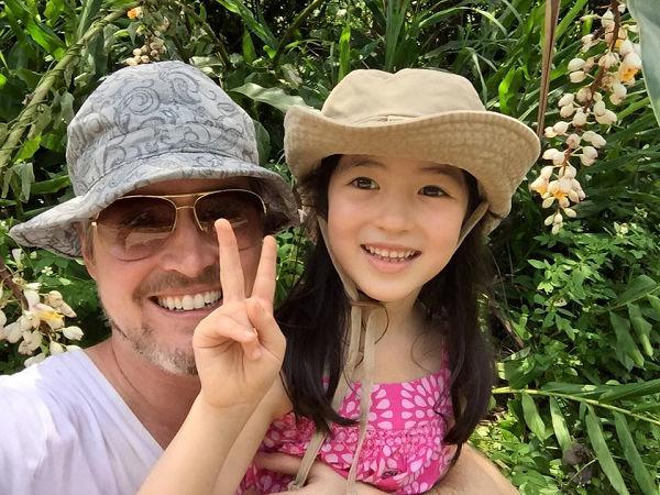 爸爸去哪兒?爸爸回台灣。