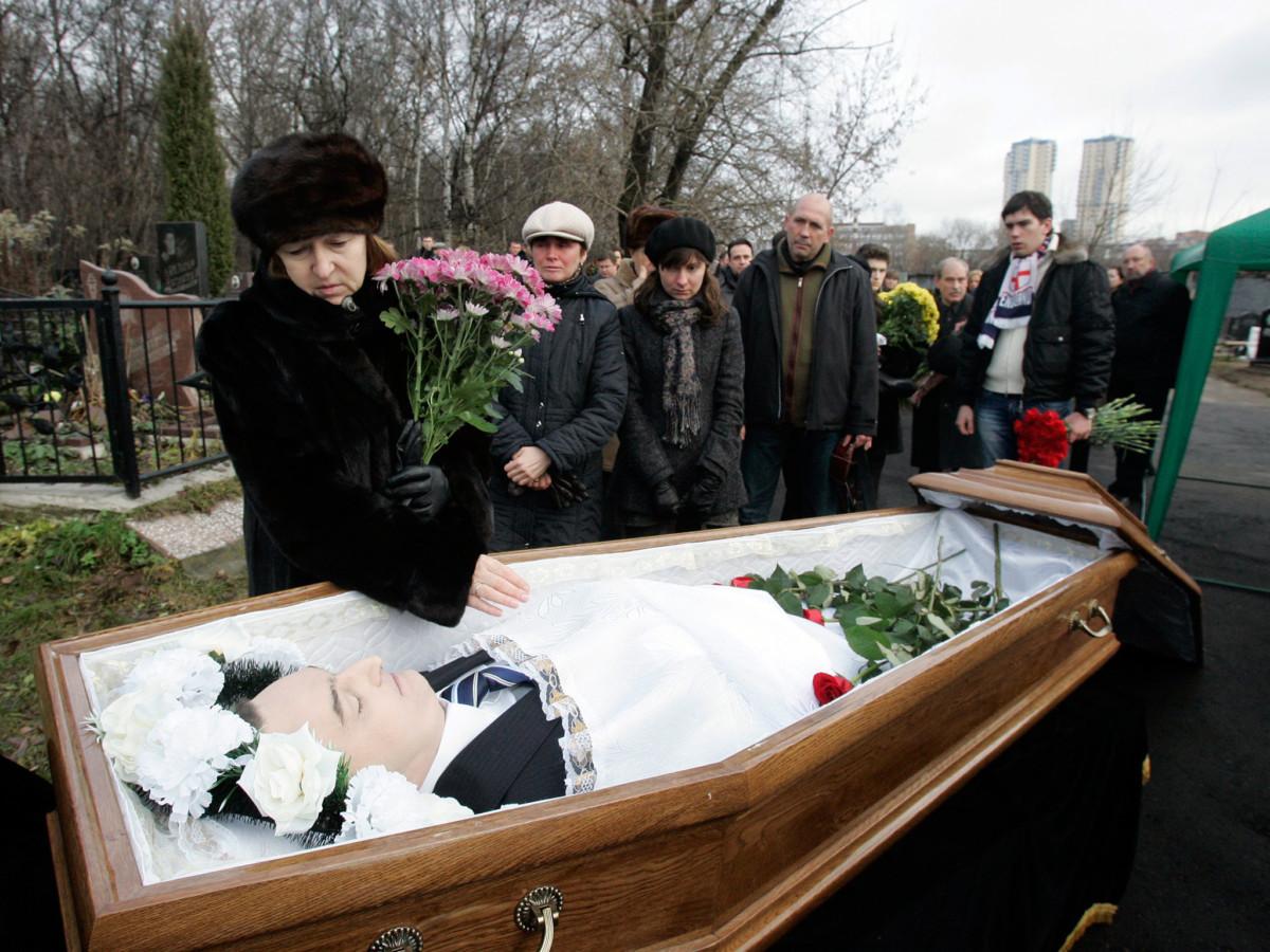 俄羅斯律師 Sergei Magnitsky 揭發內務部詐騙案之後被控逃稅,拘留期間遭毒打致死。 圖片來源:路透社