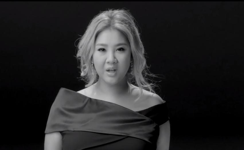 鄭欣宜「女神」MV 截圖
