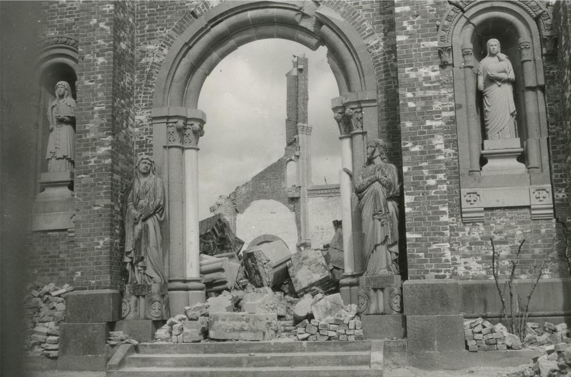 長崎浦上天主堂在原爆中被毀,8000 名天主教徒遇害。 圖片來源:長崎原爆資料館