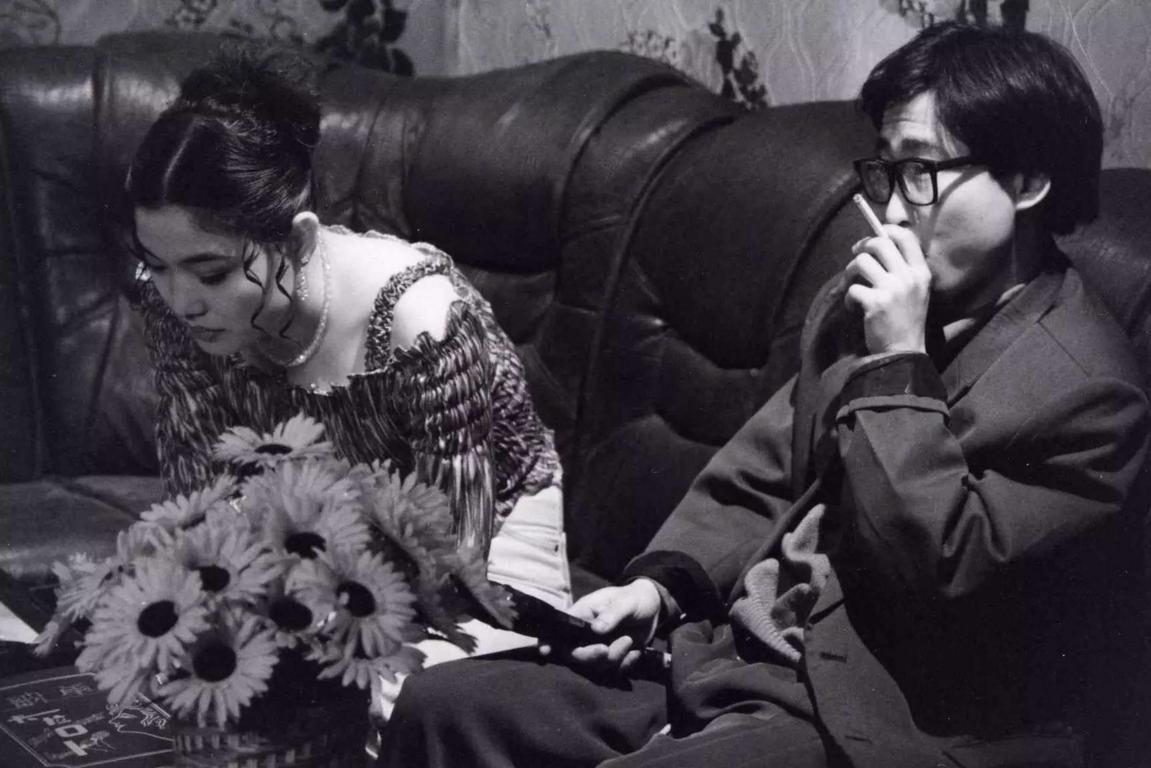 賈樟柯電影「小武」提及 KTV 陪唱女的皮肉生涯。 圖片來源:傳送門