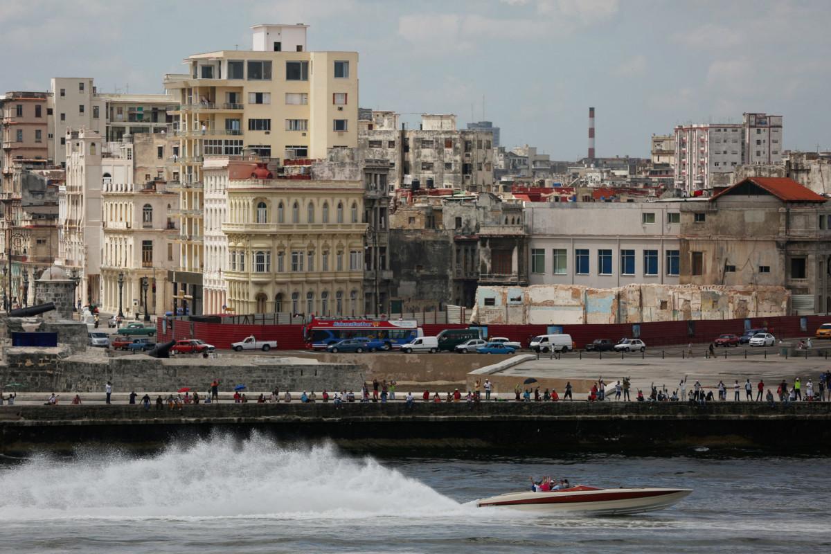 今年古巴人蛇經海路偷渡到美國的人數或創 20 年來高峰。 圖片來源:路透社