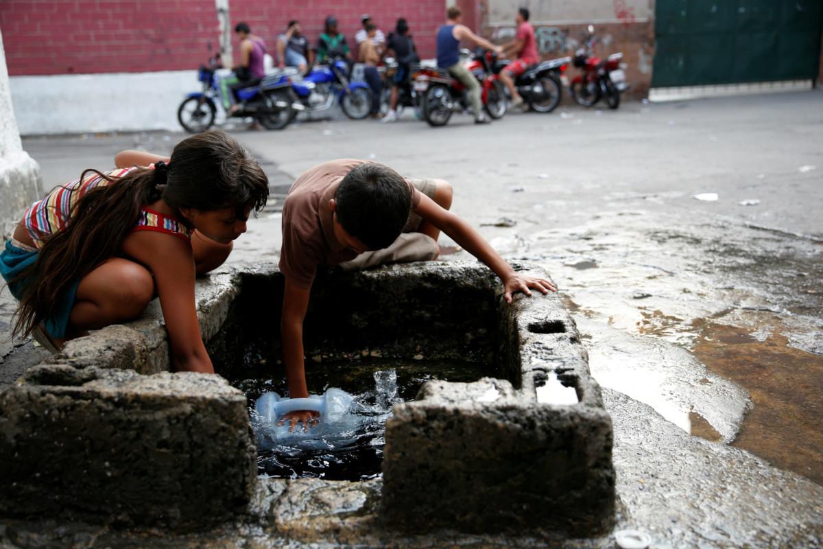委國新常態之二:斷水。 圖片來源:路透社