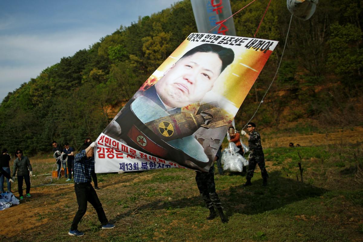 南韓人偷運新聞到北韓,抗議金正恩發展核武。 圖片來源:路透社