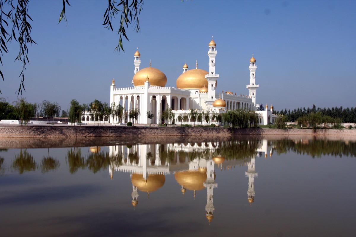 不在中東,在中華回鄉文化園。
