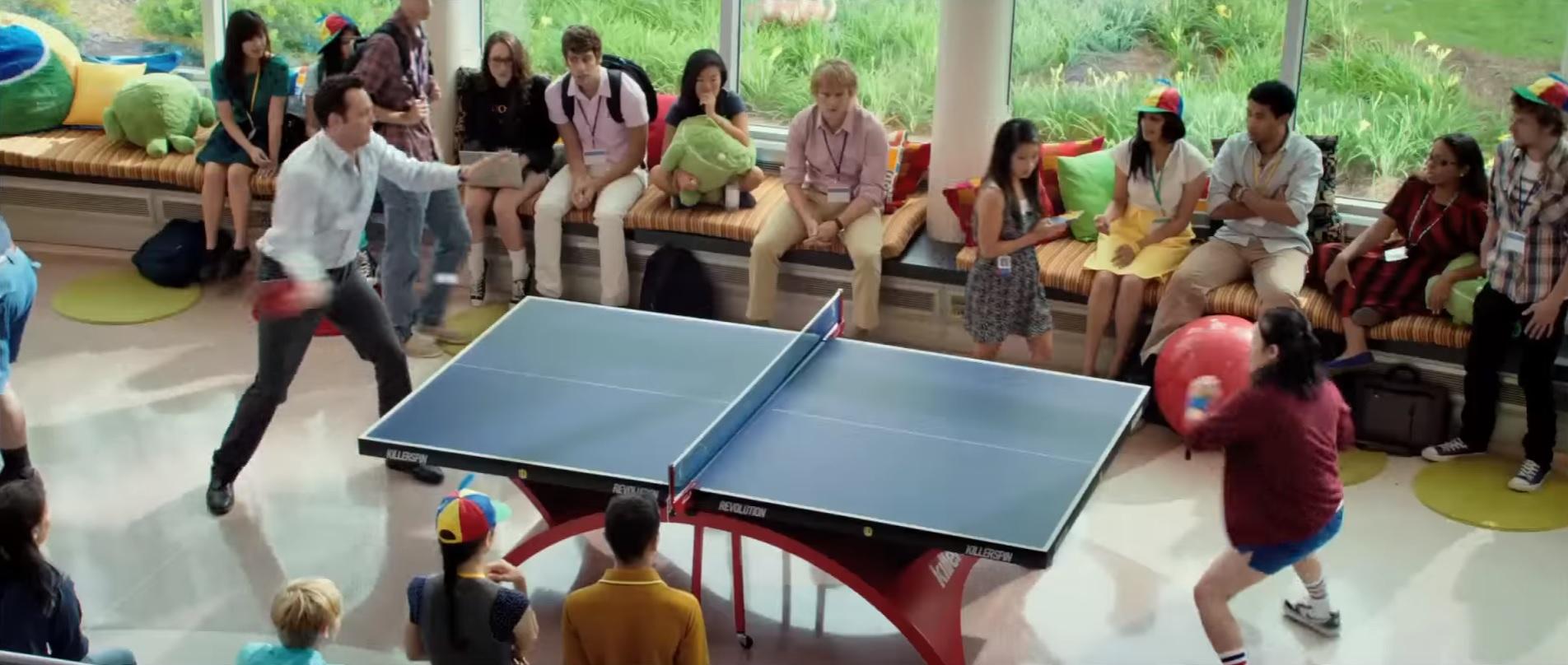 電影「翻生求職黨」(The Internship)講述兩名中佬考入 Google 做實習生,總部內的乒乓球檯亦有亮相。