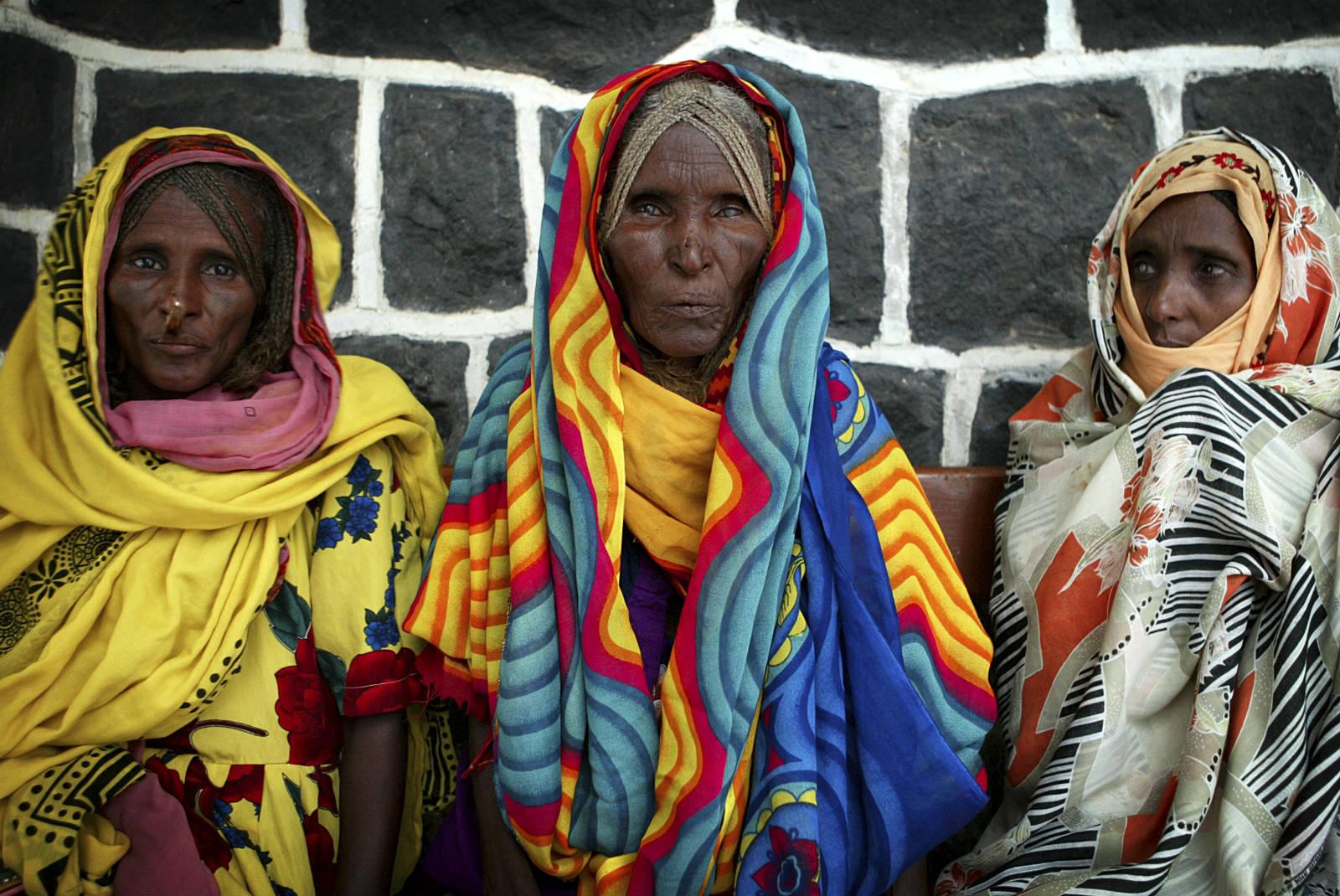 厄立特里亞在 90 年代時,剛跟埃塞俄比亞打完仗,人民生活困迫,莫說要提供優質的醫療服務。