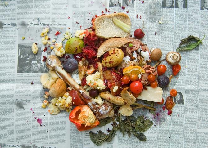 變形記/Franz Kafka,姐姐為變成了蟲子的主角準備的爛食物