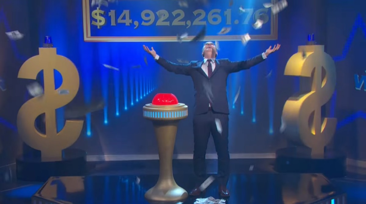 John Oliver 送出電視史上最大禮物:註銷債務。