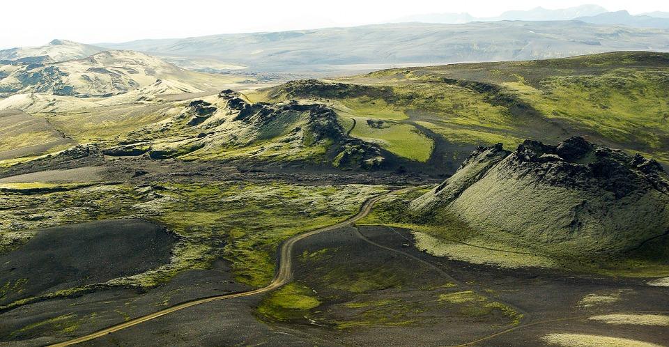 令冰島差點亡國的拉基火山附附一帶。