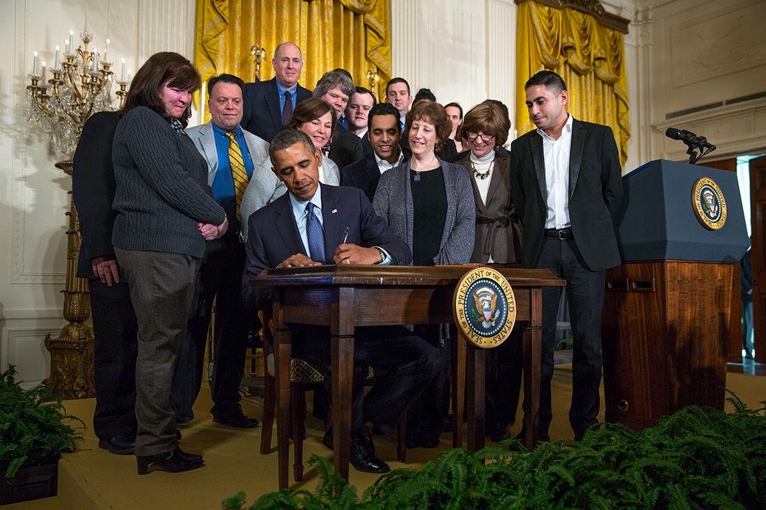 奧巴馬簽署總統備忘,提高加班費 圖片來源:美國白官