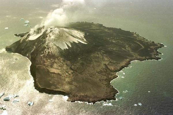Zavodovski 島,圖片來源: Smithsonian