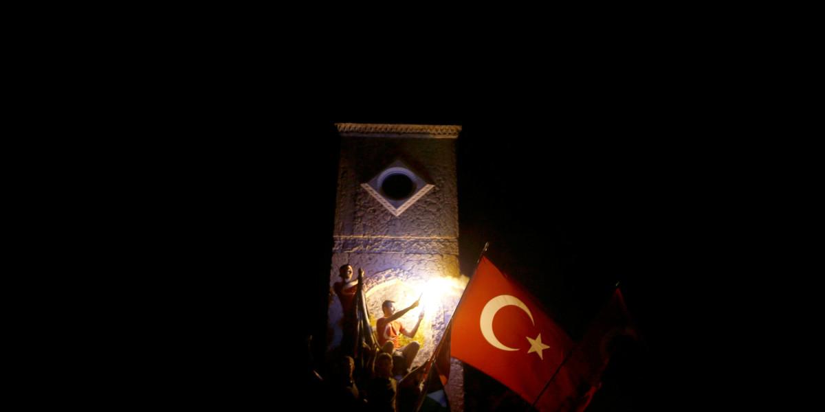黑暗中的土耳其。 圖片來源:路透社
