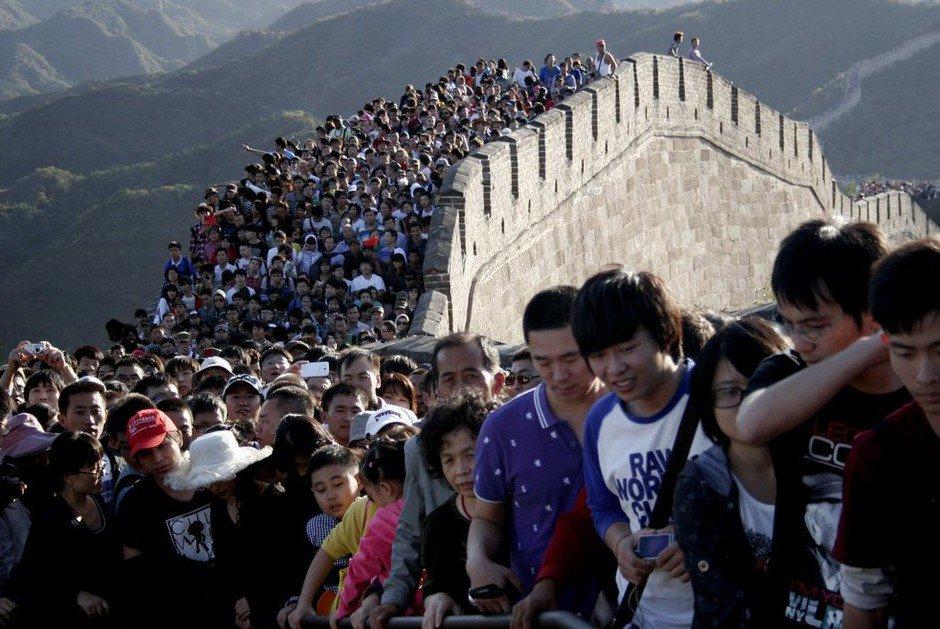 唯一令中國人排隊的方法。 圖片來源:路透社