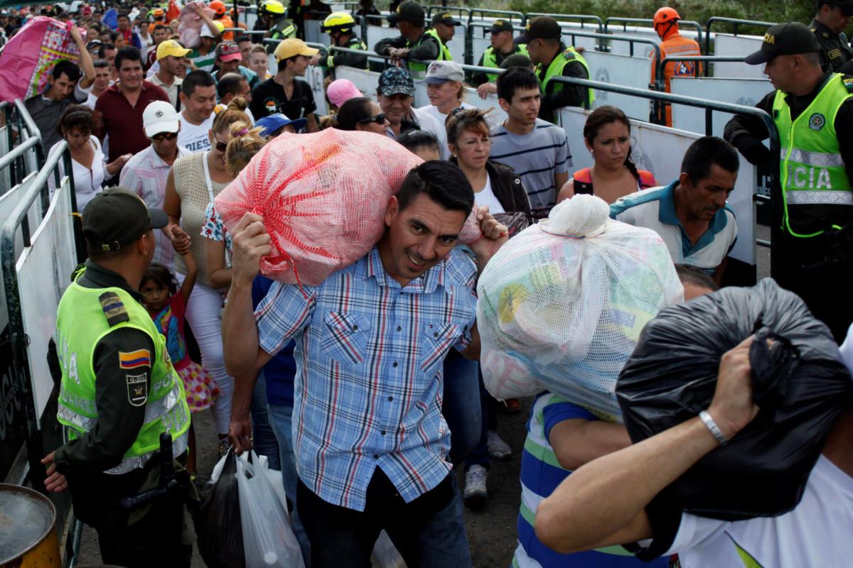 委內瑞拉水貨客。 圖片來源:路透社