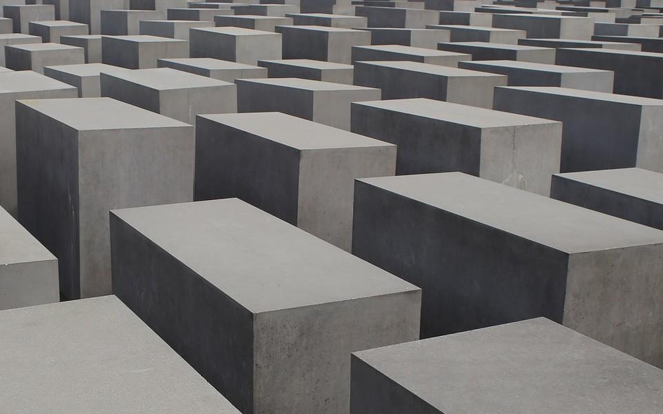 位於德國柏林的歐洲被害猶太人紀念碑,紀念那些受害的猶太人。
