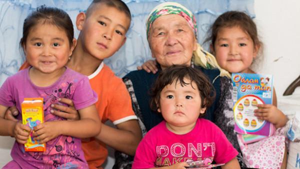 8,600 萬美元分贓計劃幫補了不少哈薩克貧窮兒童生計,包括現金回贈,為 7 萬多名兒童提供教育機會,15 萬名母子受惠於營養補充項目等等。