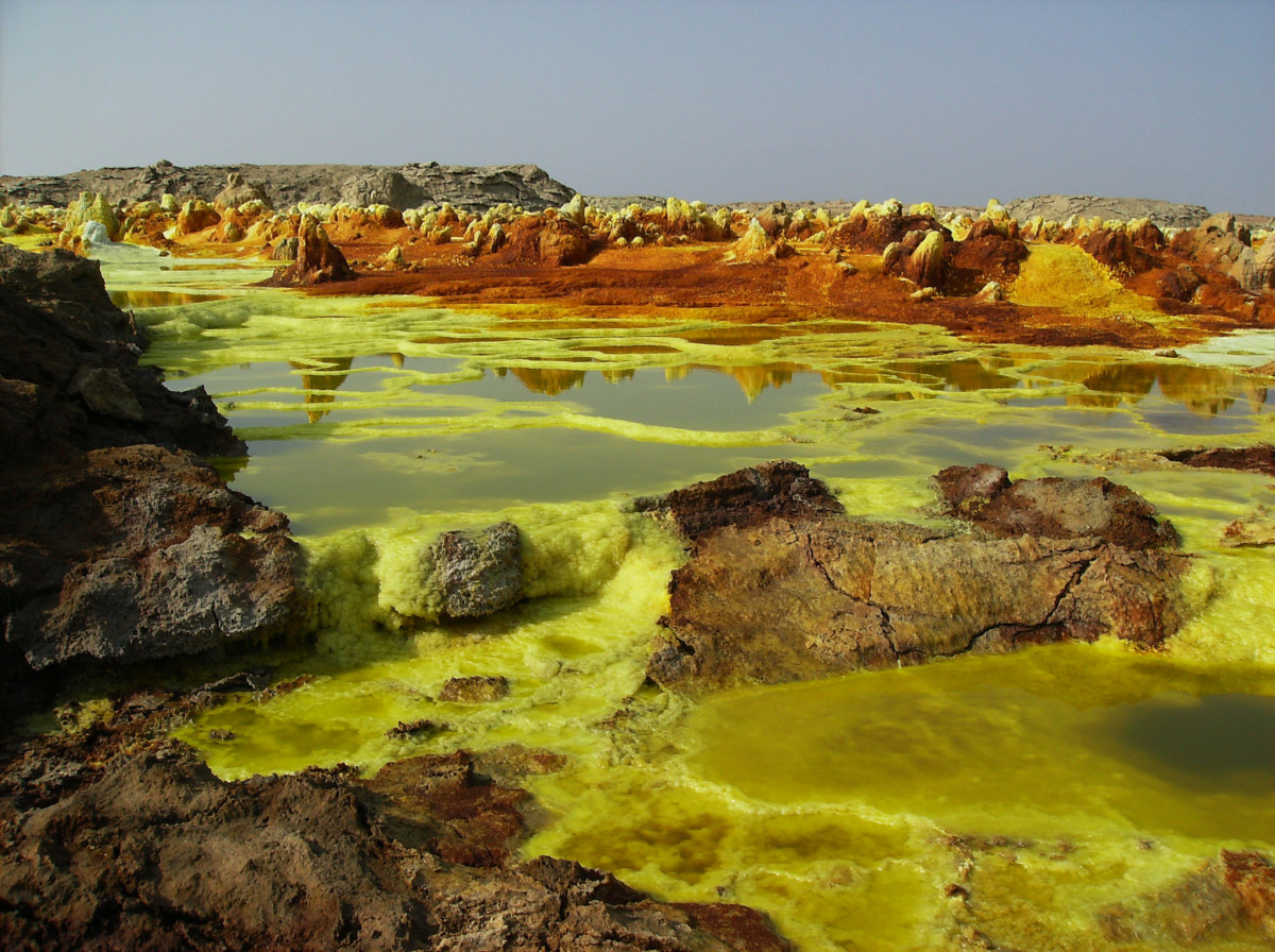 硫磺湖, 圖片來源:Flickr