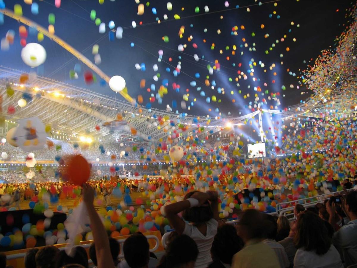 2004 年雅典奧運閉幕禮。圖片來源:Wikimedia