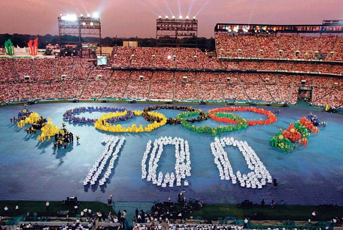 當年適逢奧林匹克運動一百週年。圖片來源:路透社