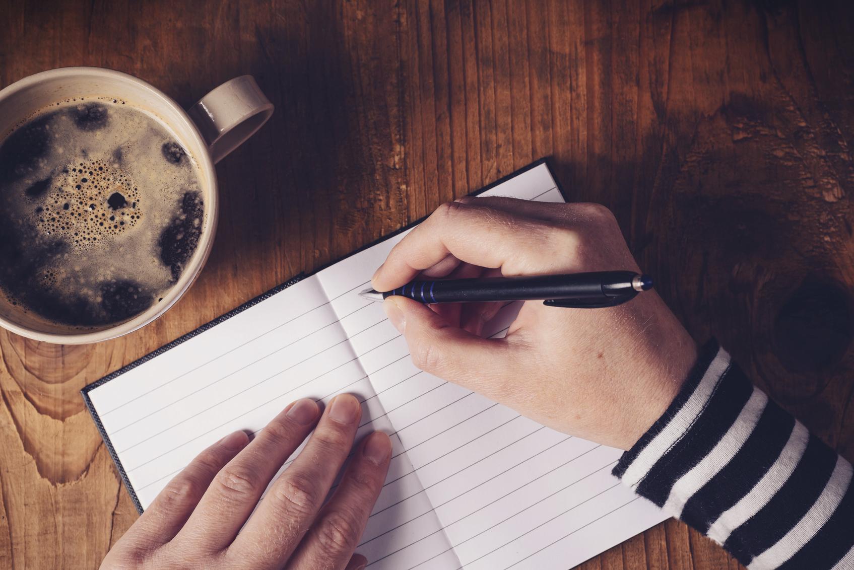 寫作讓你痛苦嗎?來學 9 招延長句子的秘訣。