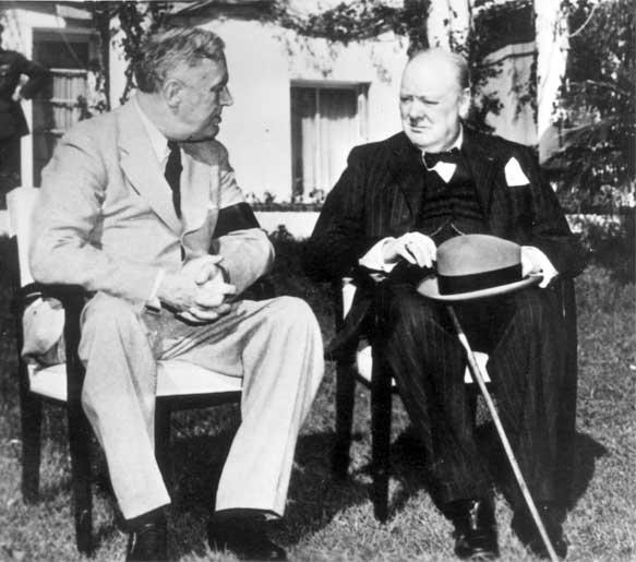 二戰時任美國總統羅斯福及英國首相邱吉爾。圖片來源:yadvashem.org