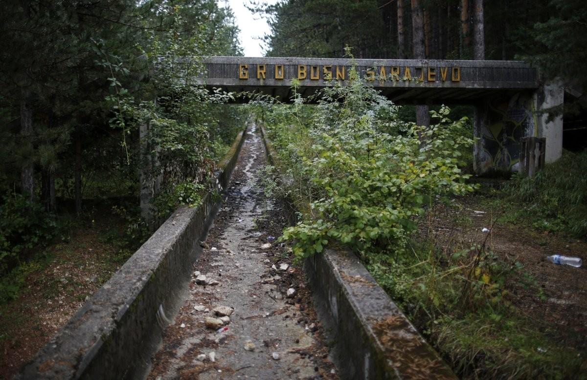 歷經戰爭,滑雪場附近地下甚至還遺留地雷。圖片來源:路透社