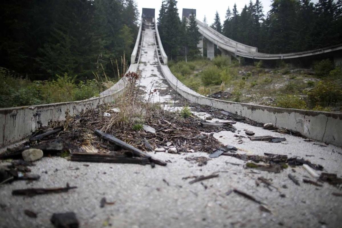 廢棄的跳台滑雪賽道。圖片來源:路透社